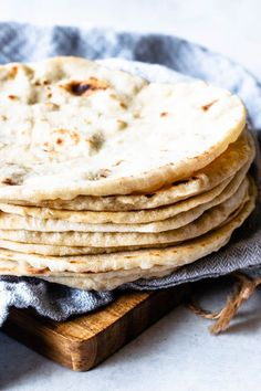 These Sourdough Tortillas are made with leftover sourdough starter. They are soft and delicious, the best tortillas you'll ever have! Sourdough Tortillas Recipe, Sourdough Recipes, Sourdough Bread, Sourdough Pie Crust Recipe, Bread Recipes, Flour Tortillas, Tostadas, Tacos, Tortilla Bread