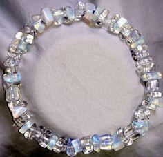 Mondstein Opal Armband