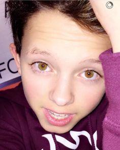 Jacob sartorius eye color