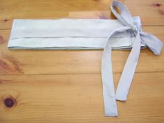 My wraparound fabric belt... made out of a curtain pelmet!