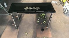 Jeep Tailgate with camshaft legs