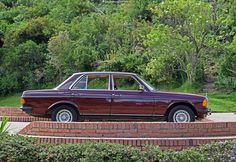 Mercedes-Benz 250 (W 123) 1981. Paint color Oriental Red 501. Photo Jorge A. Medellín. www.mbenz.expert