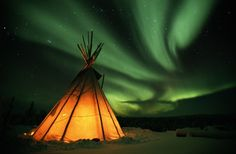 A teepee * Aurora Borealis * Alaska Image Beautiful, Beautiful World, Beautiful Things, Beautiful Sky, Beautiful People, Oh The Places You'll Go, Places To Travel, Vacation Places, Dream Vacations