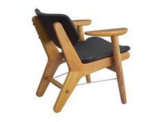 Cadeira Aviador / Aviador Chair. Design by Fernando Mendes.