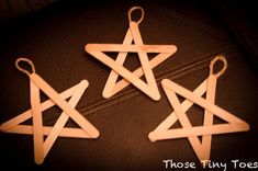 Those Tiny Toes : Anonymous 12 Days of Christmas Nativity Version & cute wooden star ornament. Holiday Crafts For Kids, Christmas Activities, Xmas Crafts, Christmas Projects, Christmas Nativity, Noel Christmas, 12 Days Of Christmas, Cheap Christmas, Star Ornament