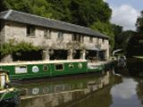 Luxurious Narrowboat Experience in the Brecon Beacon National Park (Wales) !