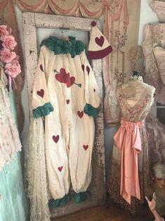Pierrot Costume, Pierrot Clown, Vintage Clown, Vintage Dolls, Vintage Costumes, Circus Clown, Circus Theme, Clown Clothes, Doll Clothes
