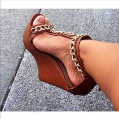 """Gold chain wedges Great platform camel color wedges with gold chain detail! Only worn a twice and are in great condition! Platform measures 1"""" and overall heel height is 6"""". These are truly a statement wedge! Lolashoetique Shoes Wedges"""