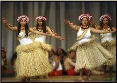 Kiribati dancers