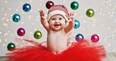 This baby who is super excited for Christmas: baby Christmas photos Toddler Christmas Photos, First Christmas Photos, Baby Christmas Photos, Holiday Pictures, Babies First Christmas, 1st Christmas, Christmas Ideas, Newborn Christmas, Christmas Lights