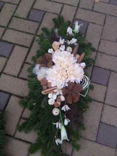 Funeral Flowers, Ikebana, Christmas Wreaths, Floral Wreath, Holiday Decor, Plants, Home Decor, Flower Arrangements, Xmas