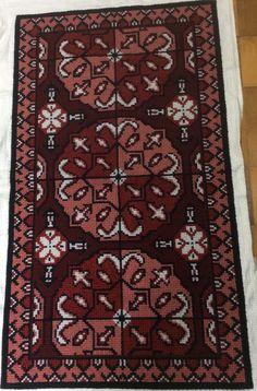 Bohemian Rug, Rugs, Diy, Crafts, Home Decor, Farmhouse Rugs, Punto De Cruz, Dots, Manualidades