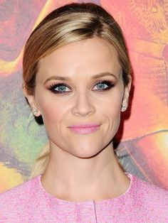 Reese Witherspoon's '60s Ponytail and Pink Smokey Eye