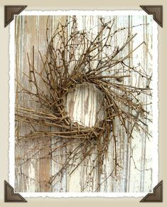 Country and Primitive Wreaths at HugsAndStitches.com