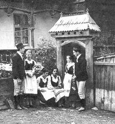 Népi viseletek – Amerikai Magyar Múzeum Old Photography, Folk Costume, Folk Art, The Past, Marvel, Outdoor Structures, Traditional, Retro, Hungary