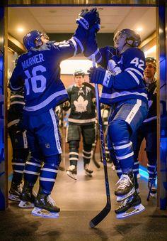 Toronto Maple Leafs Getting started. Wild Hockey, Hockey Baby, Soccer, Hot Hockey Players, Nhl Players, Maple Leafs Wallpaper, Mitch Marner, Hockey Boards, Maple Leafs Hockey