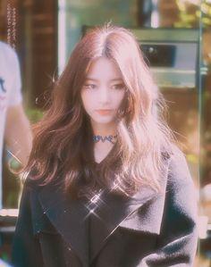 twice, tzuyu, and kpop image Nayeon, Kpop Girl Groups, Korean Girl Groups, Kpop Girls, Kpop Aesthetic, Aesthetic Girl, K Pop, Cool Girl, My Girl