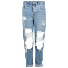 Women's Topshop Hayden Ripped Boyfriend Jeans (€35) ❤ liked on Polyvore featuring jeans, pants, bottoms, calças, ripped blue jeans, destroyed denim jeans, ripped denim jeans, low rise jeans and torn boyfriend jeans