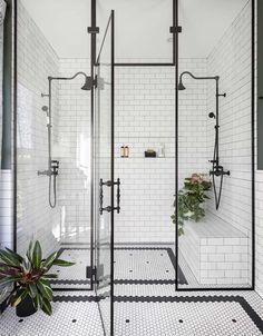 Décor do dia: vintage e industrial no banheiro - Fatih Villa Design, Design Hotel, House Design, Dream Shower, Walk In Shower, Shower Set, Vintage Bathrooms, Chic Bathrooms, Master Bathrooms