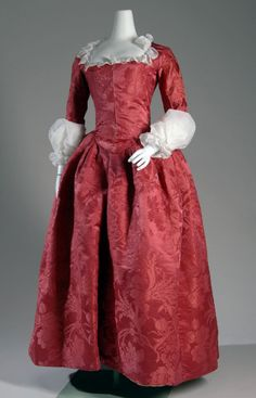 fripperiesandfobs: Robe a l'anglaise ca. 1775 From The Museum at FIT
