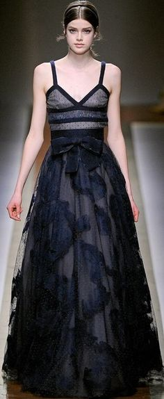 If only I could afford Valentino! (Don't know where I'd wear it though).