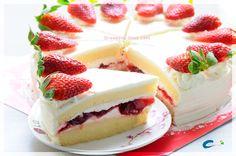 สตอเบอรี่ช็อตเค้ก - ค้นหาด้วย Google Cheesecake, Strawberry, Cookies, Drink, Desserts, Food, Biscuits, Soda, Meal