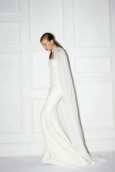 Minimal + Classic: Fantastic whiteout - modern simplistic wedding look