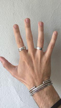 Mens Silver Jewelry, Mens Gold Bracelets, Women Jewelry, Mens Jewellery, Men Wearing Rings, Fashion Rings, Fashion Jewelry, How To Wear Rings, Hand Accessories