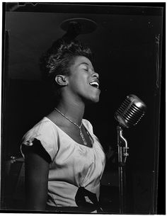 William Gottlieb's Iconic Photos of Jazz Greats, 1938-1948 | Brain Pickings Sarah Vaughan, Cafe Society (Downtown)(?), NY, NY, ca. Aug 1946