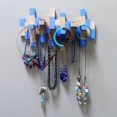 Forget about playing Jenga. How about displaying Jenga? Diy Necklace Rack, Jewelry Rack, Diy Jewelry Holder, Diy Jewelry Making, Jewellery Storage, Jewellery Displays, Earring Storage, Jewellery Stand, Necklace Display