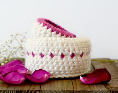 """Hi, this is Jessica from Mama In A Stitch blog and today I want to share with you a couple of crocheted baskets! Between spring cleaning and Easter, baskets are a """"must have"""" in my house. I've crocheted some baskets in the past, but I wanted to make these light and bright for a fresh …"""