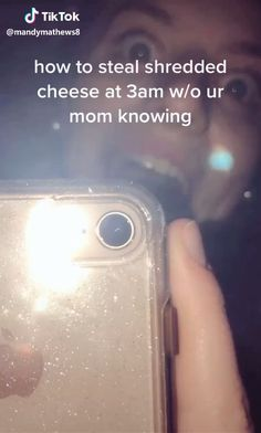 How to steal shredded cheese - Best Memes - Funny Memes Video Humour, Funny Video Memes, Crazy Funny Memes, Really Funny Memes, Stupid Funny Memes, Funny Relatable Memes, Haha Funny, Funny Stuff, Short Funny Jokes