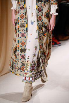 79 meilleures images du tableau Robes et tuniques   Costume design ... f2aa2bf4ba8