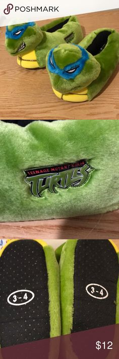 Teenage Mutant Ninja Turtles Plush Slippers Super clean! Size 3-4 Shoes Slippers