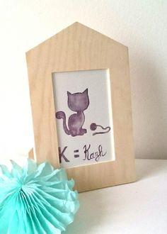 """NOUVEAU-Cadre bois déco """" K=Kazh"""" aquarelle originale chat bretonne prune violet beige : Décorations murales par milid"""