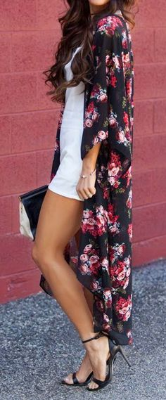 Love the kimono to wear in to of abaya!Floral kimono too cute can't stand it Look Fashion, Fashion Beauty, Womens Fashion, Fashion Trends, Latest Fashion, Fashion Outfits, Mode Kimono, Kimono Style, Summer Outfits