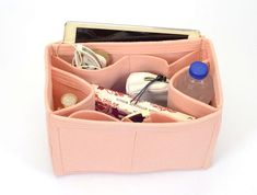 Felt purse organizer for Louis Vuitton bag models. Many women are in distress with the messiness of their purses and bags. Now you can organize your makeup accessories, wallet, tablet PC, mobile phone, books, ID and many other personal items with this stylish and very useful felt purse