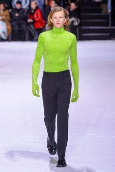 Balenciaga   Ready-to-Wear - Autumn 2018   Look 4