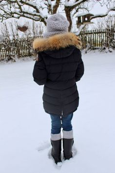 Free knitting pattern for a cuddly set consisting of cap, loop and cuffs for children from size 128 to size needlework, knitting, knitting for children Source by Free Knitting, Knitting Patterns, Canada Goose Jackets, Cuddling, Needlework, Winter Jackets, Raglan, Girls, Handmade