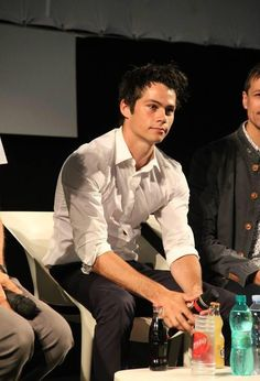 Find images and videos about teen wolf, dylan o'brien and italy on We Heart It - the app to get lost in what you love. Dylan O'brien, Dylan Thomas, Teen Wolf Boys, Teen Wolf Dylan, Teen Wolf Stiles, Teen Wolf Cast, Beautiful Boys, Pretty Boys, O Daddy
