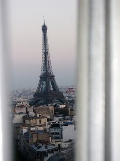 room with a view of Paris Tour Eiffel, Torre Eiffel Paris, Places To Travel, Places To See, Travel Around The World, Around The Worlds, Tuileries Paris, Metro Paris, Paris 3