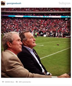 These Pictures in Honor of George Bush's Birthday Will Show You Why We Miss Him American Veterans, American Presidents, Laura Bush, Bush Family, Raised Right, Current President, Birthday Pictures, Love And Respect, God Bless America