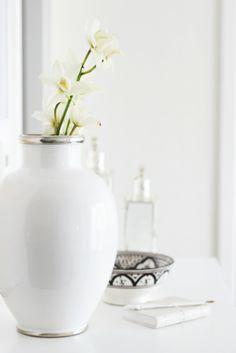 A white vase is so sleek