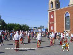 https://flic.kr/p/sShFAQ | TURISMO EN CIUDAD JUÁREZ TE HABLA DE LA FIESTA DE SAN LORENZO.4 | La Fiesta de San Lorenzo, se celebra en el mes de Agosto, y es una de las mas grandes en Ciudad Juárez, empezando con una procesión de 5 kms. desde la Catedral, donde los matachines celebran toda la noche y se celebra una Misa con mariachi a medianoche. Miles de personas vienen cada vez para esta fiesta patronal, que dura una semana. #visitaciudadjuárez