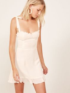Wedding Dresses Online White Linen Dress Long Gown For Wedding White Velvet Dress White Velvet Dress, White Dress, Dresses Uk, Short Dresses, Summer Dresses, Dress Long, Dresses Online, Pretty Dresses, Sexy Dresses