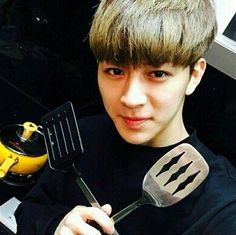 iKON Yunhyeong Winner Ikon, Ikon Debut, Song Of The Year, Hanbin, Shinee, Kpop, Songs, Lonely, Wattpad
