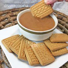Con esta receta de crema de toffee puedes preparar rellenos de tartas y bizcochos, o un delicioso dip dulce para servir de postre y en el que puedes 'mojar' galletas y pastas.