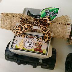 Convite mickey safari, personalizamos em outros temas.    Jeep Rodão de plástico personalizado e convite.