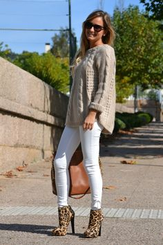 Bege e Branco - Nude e Branco - Beige and White Casual Winter Outfits, Layering Outfits, Warm Outfits, Cool Outfits, Beige Outfit, Love Fashion, Fashion Trends, Mode Inspiration, Types Of Fashion Styles
