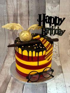 Harry Potter Buttercream Drip Cake Harry Potter Buttercream Drip Cake 630 Source by Harry Potter Theme Cake, Harry Potter Motto Party, Gateau Harry Potter, Cumpleaños Harry Potter, Harry Potter Birthday Cake, Paw Patrol Cake, Drip Cakes, Card Birthday, Birthday Greetings